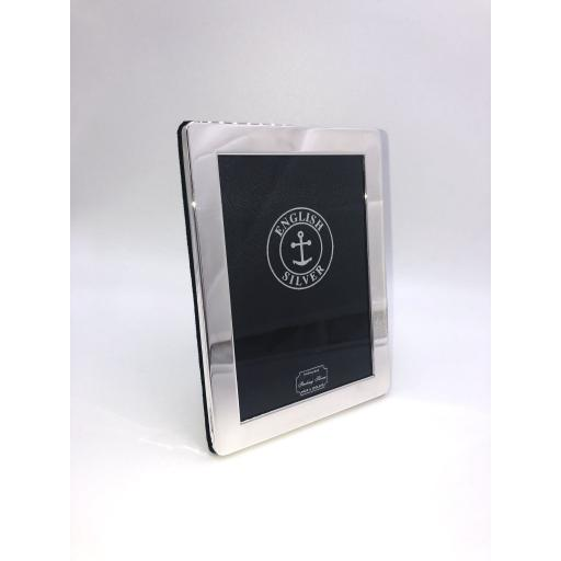 Traditional plain Sterling Silver photo frame